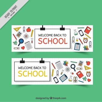 Bandeiras de escola com elementos artísticos