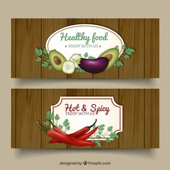 Bandeiras de madeira do vintage com especiarias e alimentos saudáveis