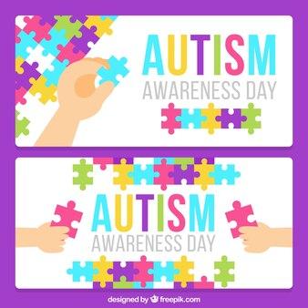 Bandeiras do dia do autismo com crianças que fazem um enigma