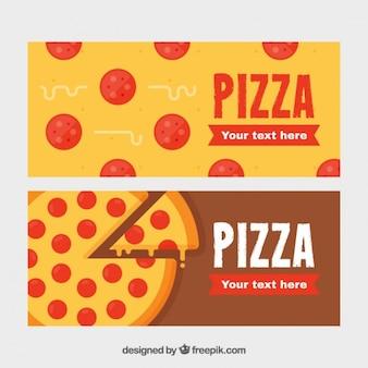 Banners cerca de deliciosas pizzas