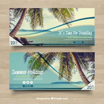 Banners de desconto com paisagem de praia