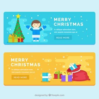 Banners planas com o menino e presentes do Natal