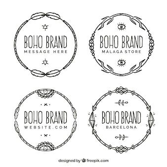 Bloco de quatro logotipos desenhados à mão em estilo boho