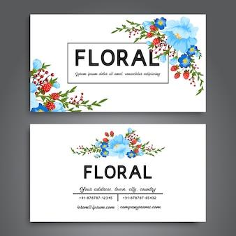 Cartão de visita branco com flores azuis