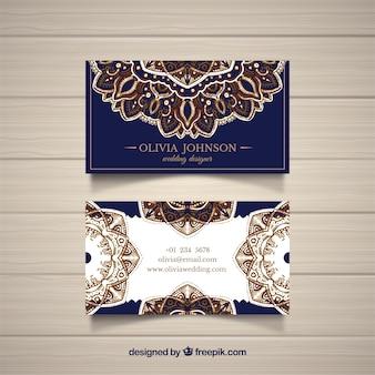 Cartão de visita com mandalas douradas