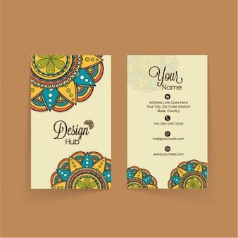 Cartão de visita moderno com mandala colorida