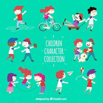 Coleção de cenas com crianças brincando