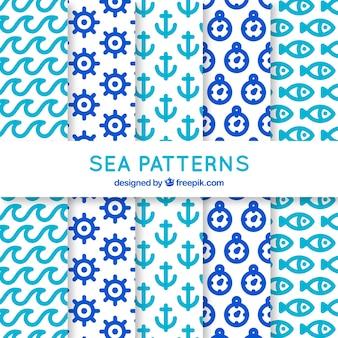 Coleção de cinco padrões com elementos do mar