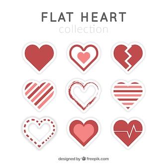 Coleção de corações decorativos em design plano