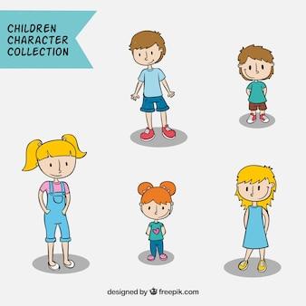 Coleção de lindas crianças desenhadas a mão