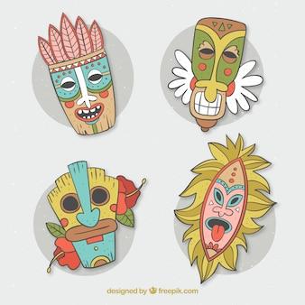 Conjunto divertido de máscaras tiki desenhadas à mão