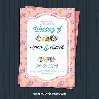 Convite bonito do casamento com decoração floral