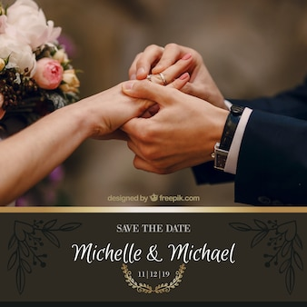 Convite de casamento com elementos dourados