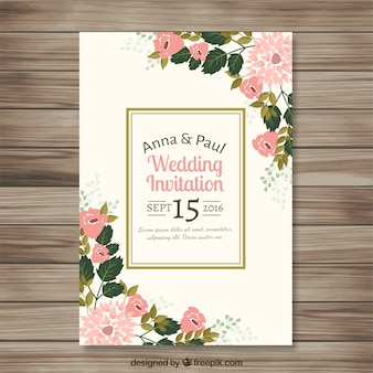 Convite do casamento com detalhes florais bonito