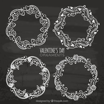 Coroas de flores desenhadas mão para o Valentim