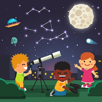 Crianças fazendo observações astronômicas de telescópio