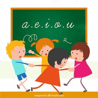 Crianças que jogam em uma classe