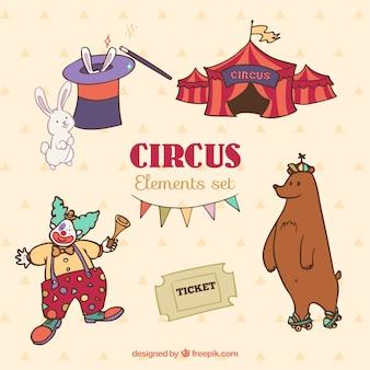 Desenhadas mão personagens adoráveis e elementos de circo
