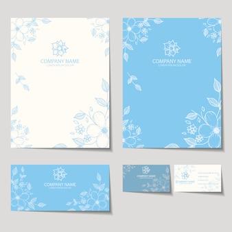 Design floral dos artigos de papelaria