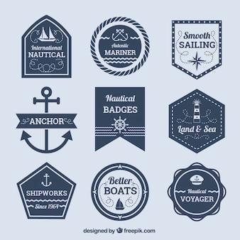 Diferentes tipos de emblemas náuticos com formas geométricas