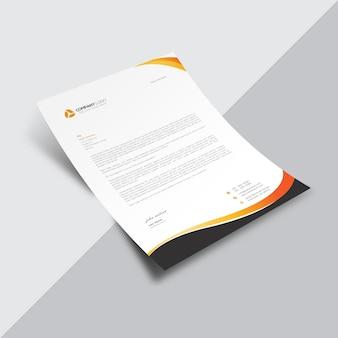 Documento empresarial branco com detalhes em preto e laranja
