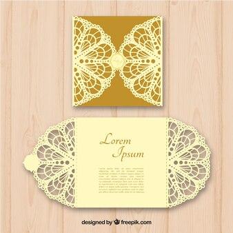 Elegante convite dourado ornamental de corte a laser