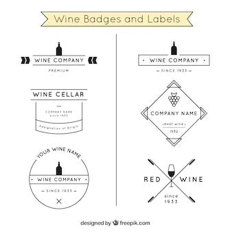 Emblemas vinho e etiquetas em preto e branco