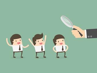 Empresários sendo observado