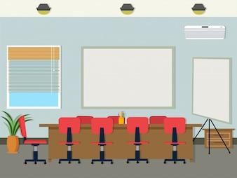 Escritório com cadeiras em torno da mesa e whitekboards