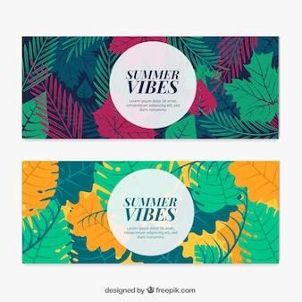 Flat banners de verão com folhas coloridas