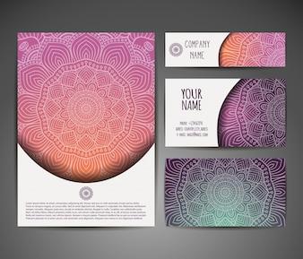 Fundo do vetor Cartão ou convite Elementos decorativos do vintage Desenho desenhado à mão