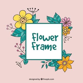 Fundo rosa com flores e folhas desenhadas à mão