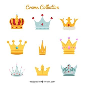 Grande coleção de várias coroas e diademas