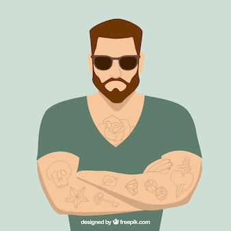 Homem com tatuagens