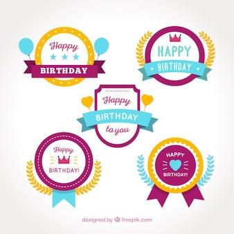 Jogo de emblemas de aniversário felizes coloridos