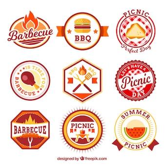 Jogo dos planos de piquenique e churrasco emblemas