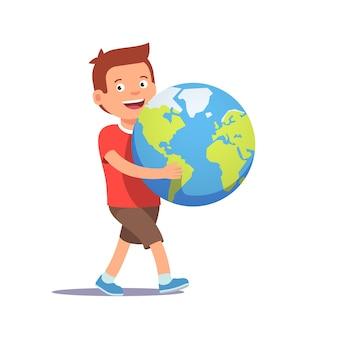 Jovem, menino, criança, carregar, segurando, planeta, terra
