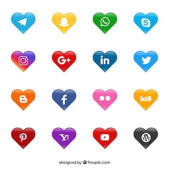 Logos de redes sociais em forma de coração