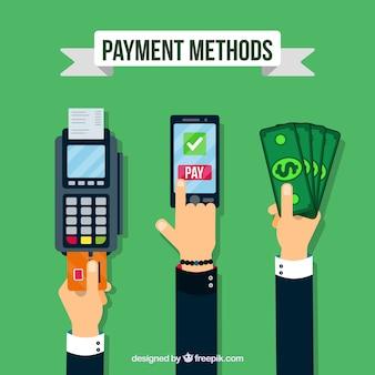 Mãos com diferentes métodos de pagamento