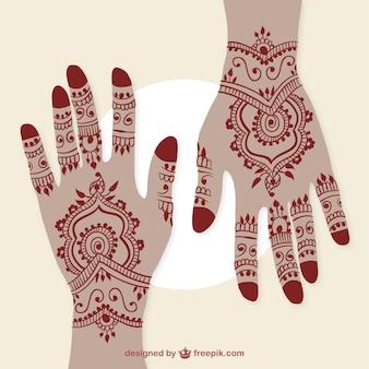 Mãos com tatuagens de henna