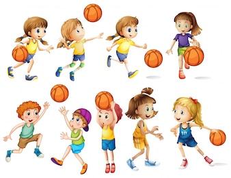 Meninas e meninos jogando basquete