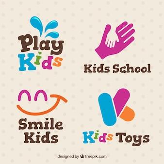 Miúdos logos fantásticos com detalhes rosa