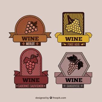 Pacote colorido de quatro etiquetas do vinho do vintage