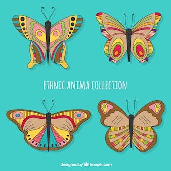 Pacote de borboletas étnicas desenhadas a mão