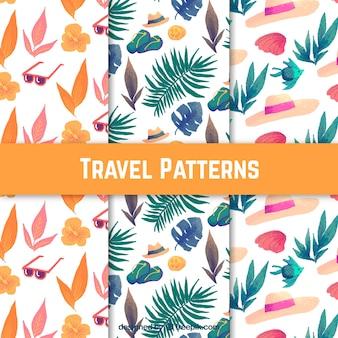 Pacote de padrões com folhas e elementos de verão aquarela
