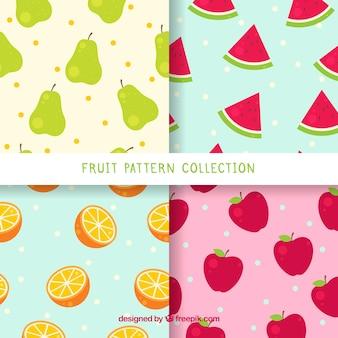 Pacote de quatro padrões com frutas coloridas