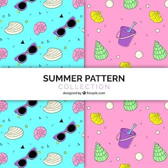 Padrões fantásticos com elementos de verão desenhados à mão