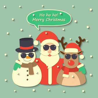 Papai Noel, uma rena e um boneco de neve usando óculos escuros