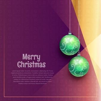 Pendurado esferas do Natal no fundo roxo