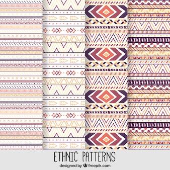 Pintados à mão padrões étnicos geométricas